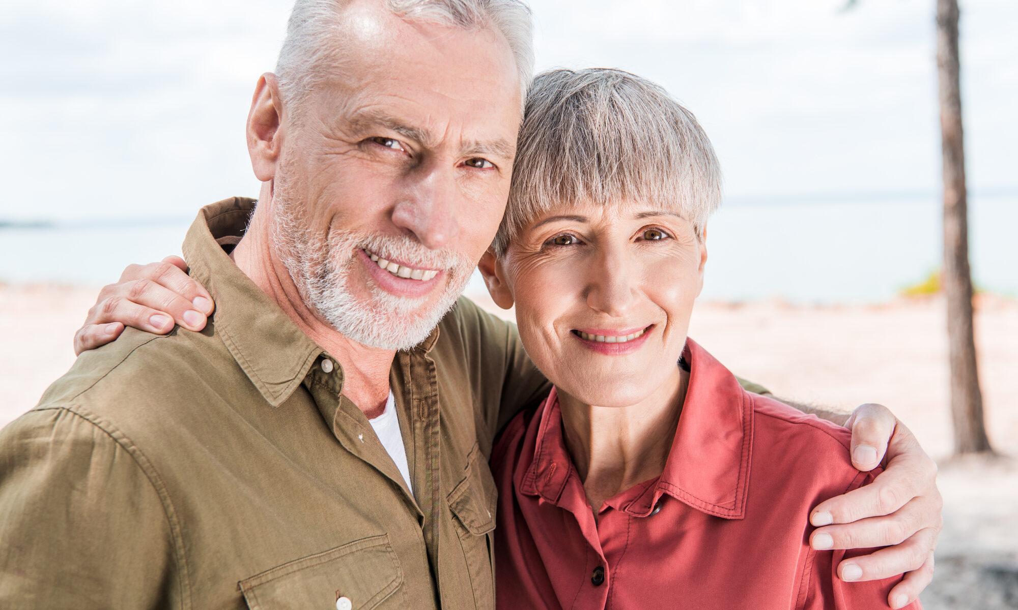 Zufriedenes älteres Paar